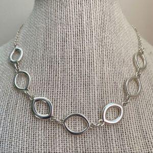 🎉5/20 SALE🎉vintage Liz Claiborne silver necklace